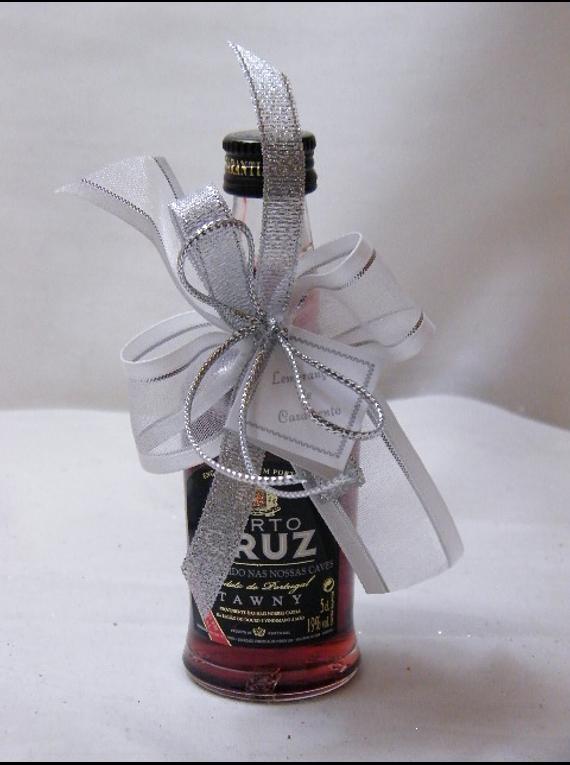 C15601 - Garrafa de vinho do porto decorada com laço prata