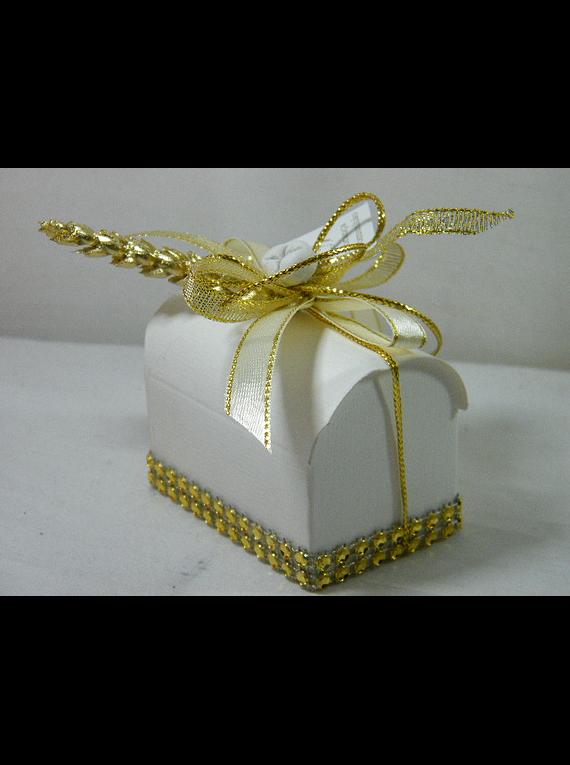 C15317 - Caixa cartão em formato baú decorada em dourado