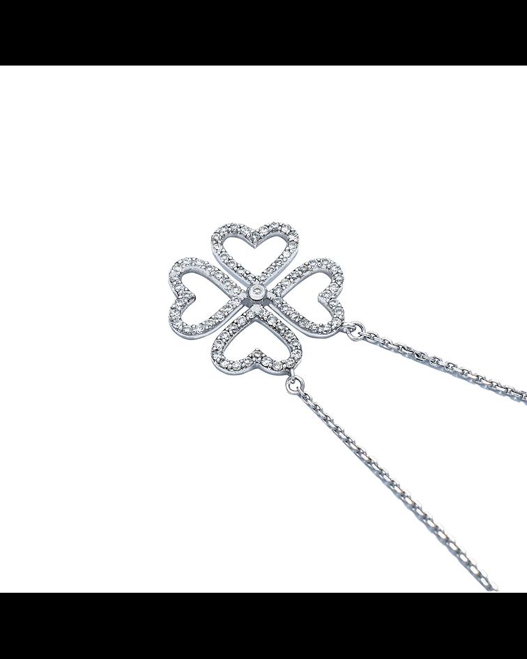 Collar de Diamante Oro Blanco de 18 Kt. Modelo Trébol