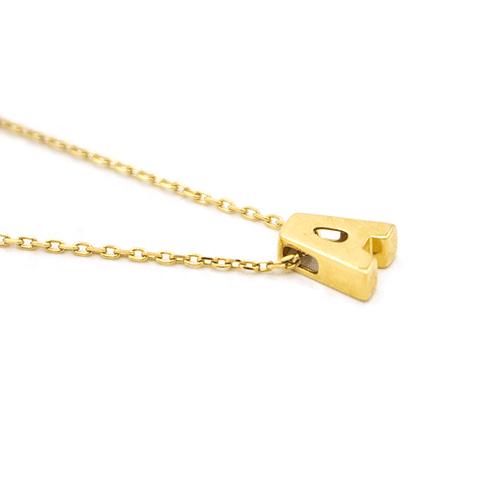 Collar de Oro 18 Kt., Letra A.