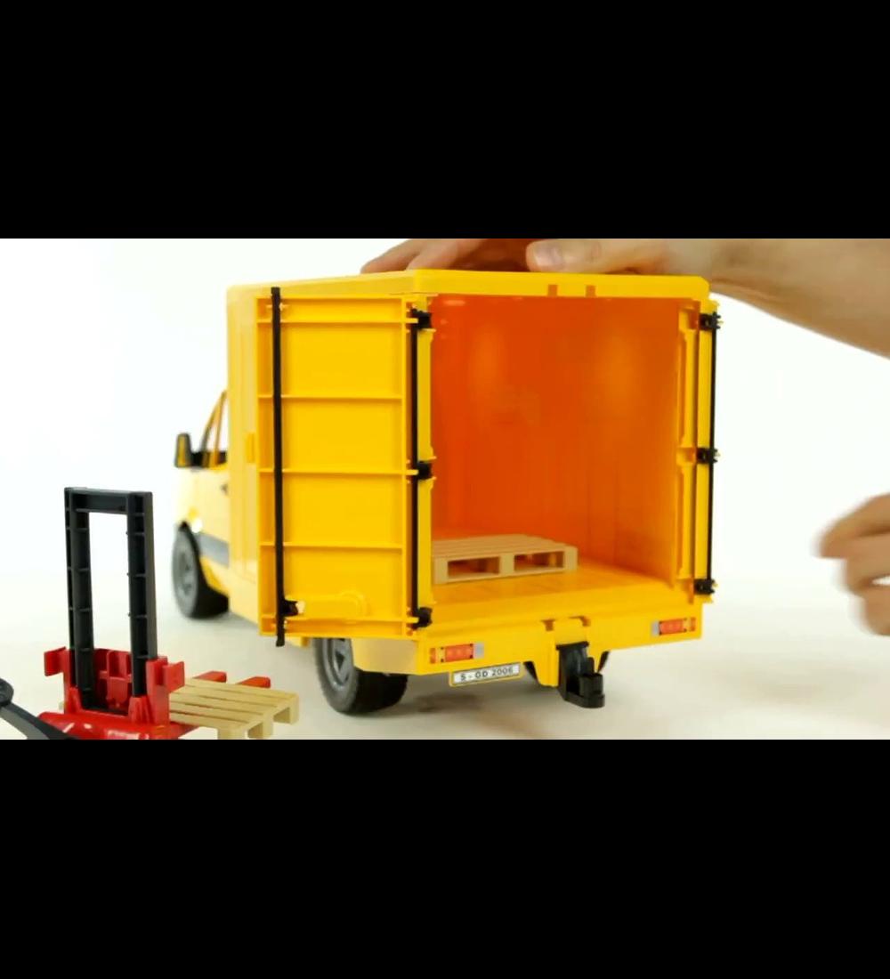 Sprinter DHL com Empilhadora