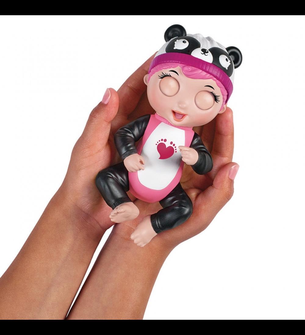 Tiny Toes - Boneca Interativa Gabby (Panda)