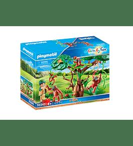 Orangotangos com árvore