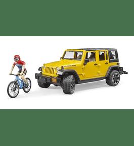 Jeep Wrangler Unlimited Rubicon com Bicicleta e Ciclista