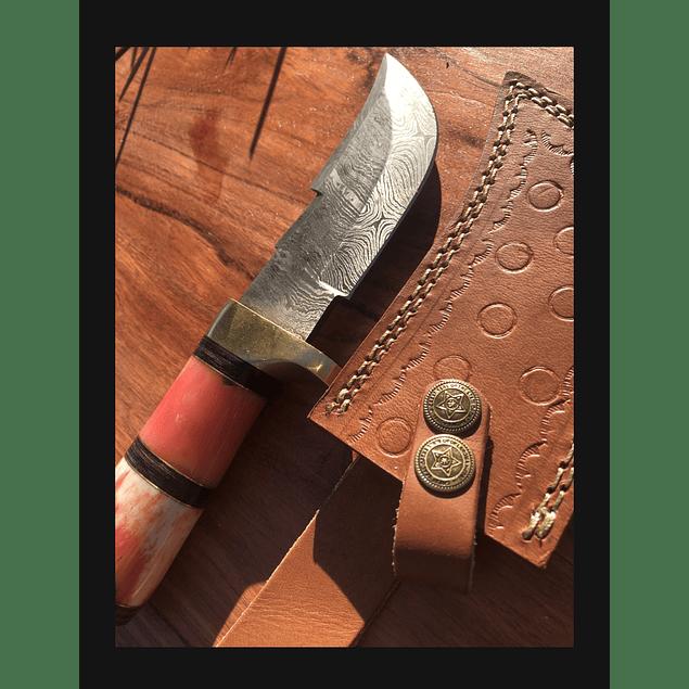 Cuchillo de colección outdoor origen Siria (Hueso color rojo)