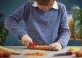 Opinel Pelador de alimentos, producto pensado para niños