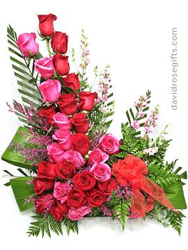 Elegant Floral Design Full Roses