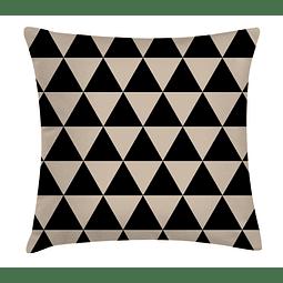 Funda Cojín Triángulos Negros