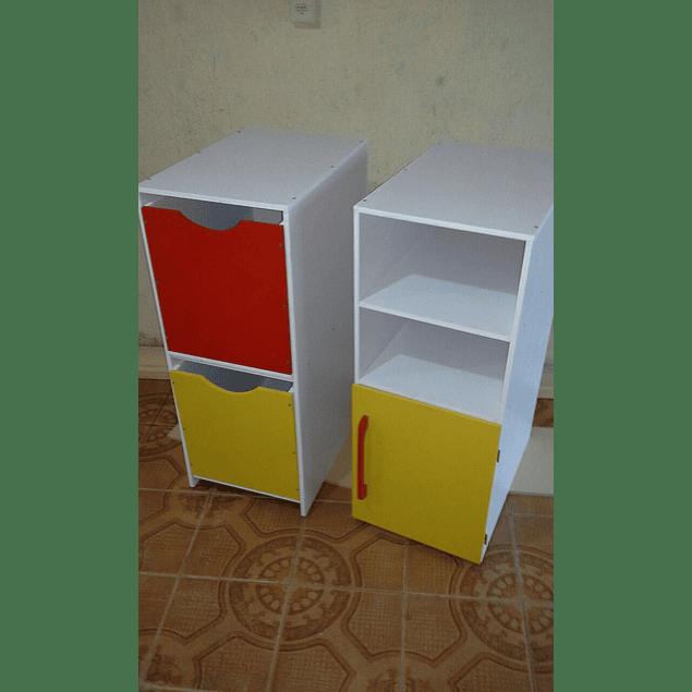 Librero de madera infantil natural barnizado 90*90 cm