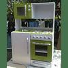 Mueble de cocina juguete, de colores con puerta