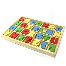 Caja de letras de madera