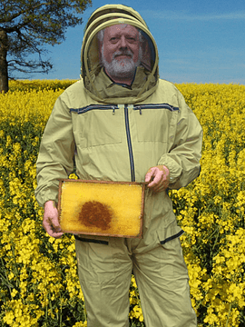 Beekeeper suit made of cotton for the cold hours of the day, with standing hood