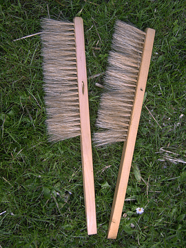 Honeycomb broom
