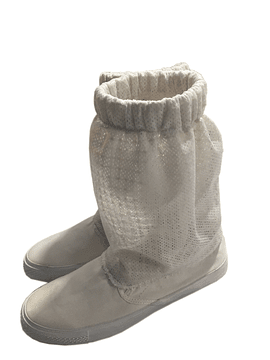 Airy beekeepers protection shoes