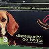 Dispensador bolsas para recoger heces de perro