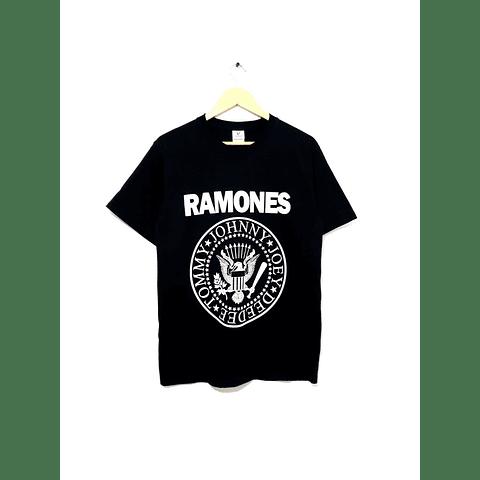 Polera RAMONES talla M