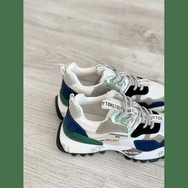 Mona Sneaker