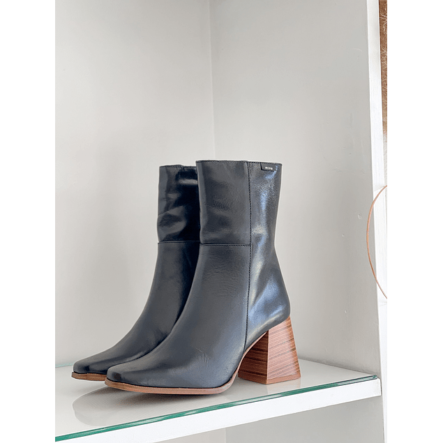 Lotty Boot