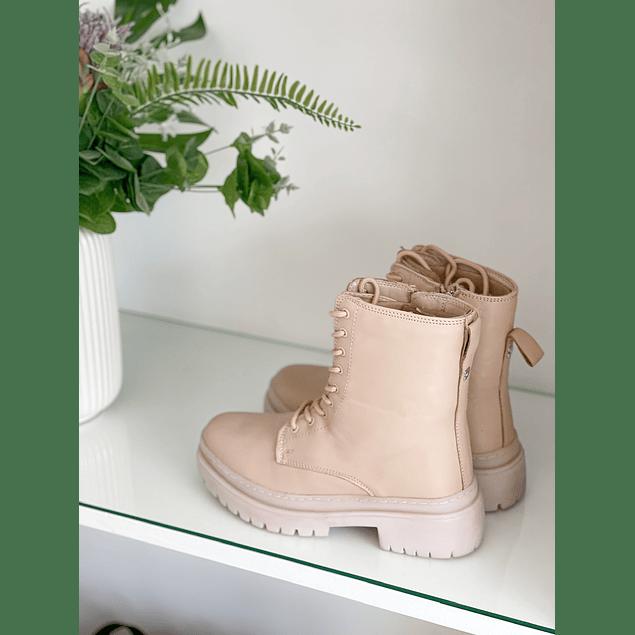Creamy Boot