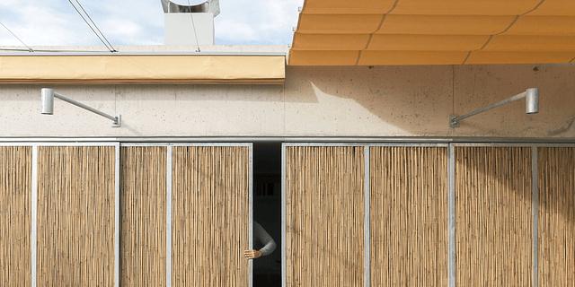 Soluciones tradicionales en proyectos contemporáneos: Cerramientos móviles de bambú