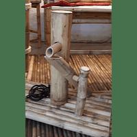Fuente de Agua con Bambú