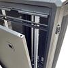 Gabinetes de Piso 42U   Ancho: 610 mm • Fondo: 1,066 mm