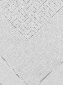 SYMETRICAL OPENWORK TRAY CLOTH