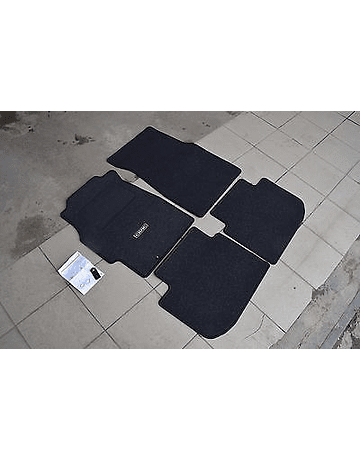 OEM HONDA FLOOR MATS SET ''BASIC'' (CIVIC 96-00 2/3 DRS)
