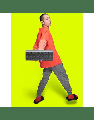 Logitech MK470 Slim Wireless Keyboard and Mouse Combo