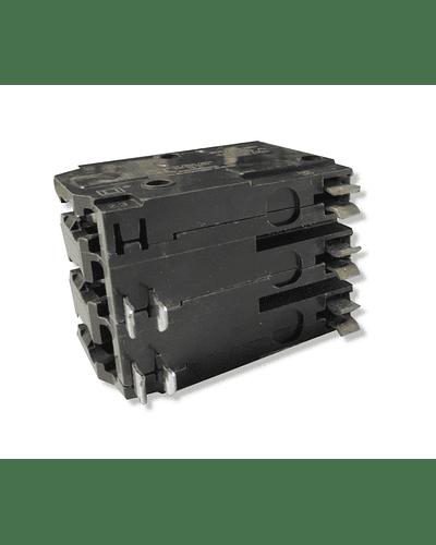 Interruptor SQUARE-D Modelo QO 3 Polos