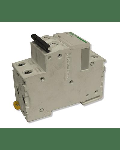Interruptor automático modelo A9F74350