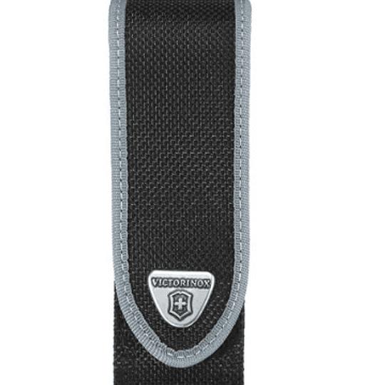 Estuche De Nylon 111mm Victorinox 4.0823.n - Electromundo