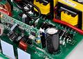 Inversor de Voltaje 600W con Onda Sinusoidal Pura Cargador de Batería de Transferencia Automática