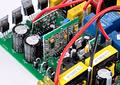 Inversor de Voltaje 500W con Onda Sinusoidal Modificada Cargador de Batería con Transferencia Automática
