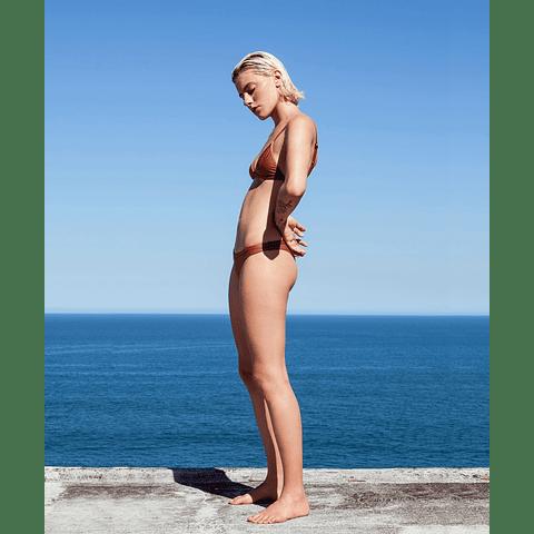 Bikini Isis Vies