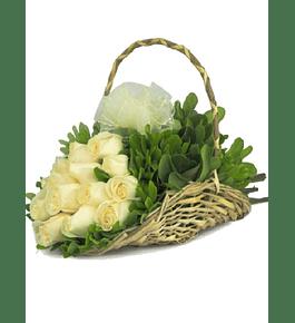 Violetero 12 Rosas Blancas
