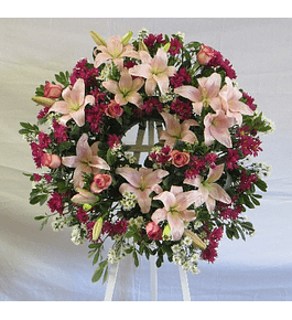 Corona de Flores en Tonos Rosados