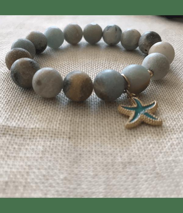 Pulsera Amazonitas con dije en enchape de estrella de mar