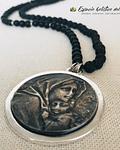Collar de Lava Volcánica y Turmalina con dije de la Virgen
