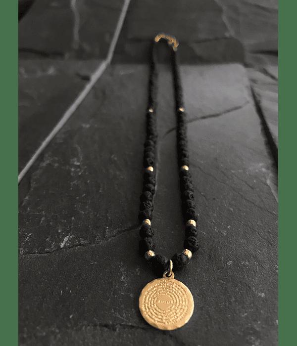 Collar Mini de Lava Volcanica con Dije de Padre Nuestro