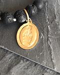 Pulsera Lava Volcánica con Virgen de la Medallita Milagrosa