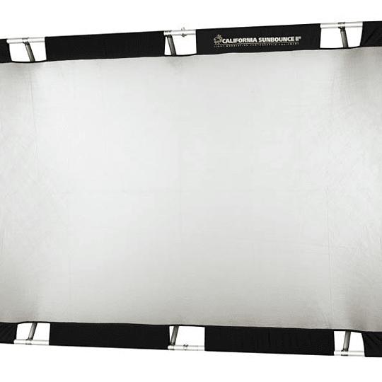 Arriendo de Reflector Sunbounce 4x6 blanco/plata (120x180cm)