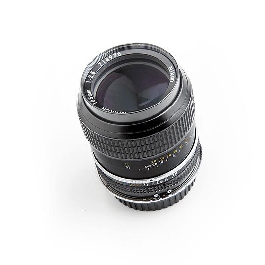 Arriendo de Lente VINTAGE Nikon Nikkor 105mm f2.5