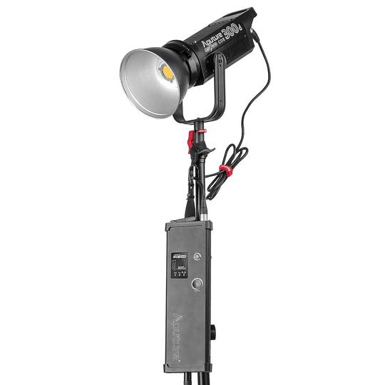 Arriendo de Led Aputure Light Storm 300d con reflector