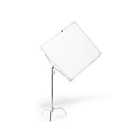 Arriendo de Marco Advantage 48x48 con Tela Difusora y c-stand (120x120cm)
