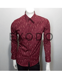 camisa burdeo plumas, slim fit