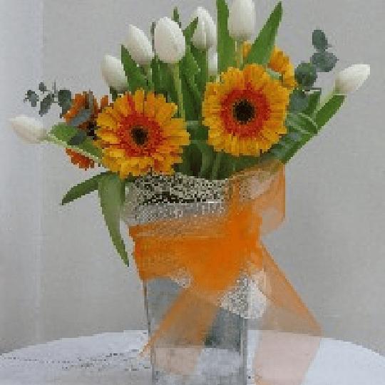 Arreglo Tulipanes y Gerberas