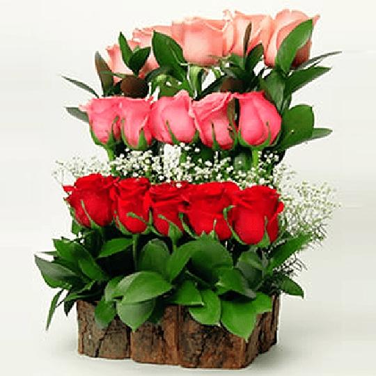 Arreglo de 15 Rosas en Base Rústica
