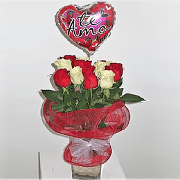 Florero 12 Rosas con Globo Amor