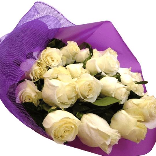 Ramo 15 Rosas Ecuatorianas